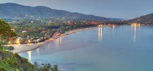 Spiaggia Lacona Sera