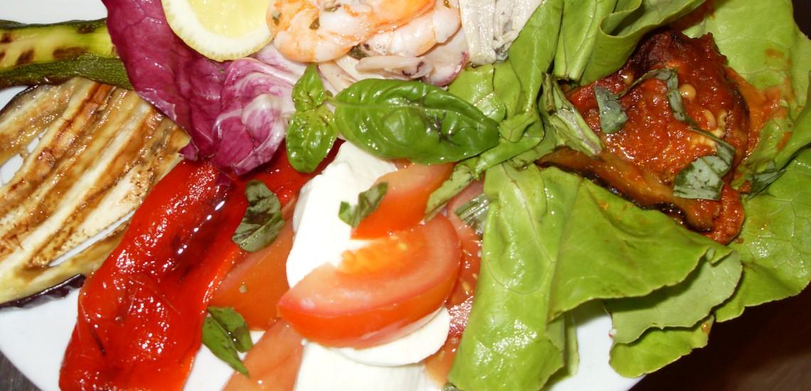 Assaggio misto di pesce e carne del Bagni Orano, Lacona